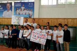 Odovzdávanie grantu na ZŠ Cádrova 23 v Bratislave