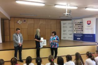 Odovzdávanie grantu na ZŠ Márie Medvedzkej v Tvrdošíne