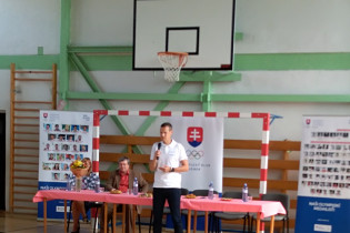 Matej Tóth na ZŠ s MŠ v Jelšave.