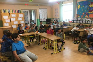 Odovzdávanie grantu na ZŠ s MŠ v Hontianskych Tesároch