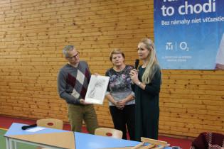 Odovzdávanie grantu na ZŠ v Trenčianskom Jastrabí